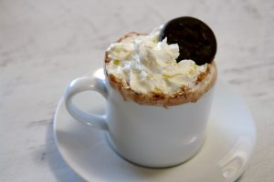 cup of thin mint hot chocolate
