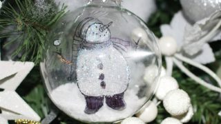 DIY Floating Snowmen Ornament